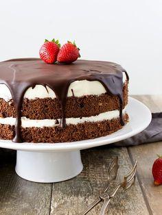 I& been making Mischa& cake several times, and I& always had great success.- Míša dort jsem dělala už několikrát a vždycky měl velký úspěch. Pokud… I& been making Misha& cake several times and always … - Baking Recipes, Cake Recipes, Dessert Recipes, Czech Recipes, Food Obsession, Vegan Cake, Sweet And Salty, No Bake Cake, Cake Decorating