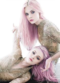 Dakota/Elle Fanning-if I were white...I'd have pink hair too. lol