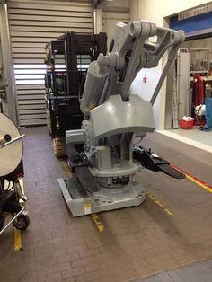 Einbringen eines Palettier-Roboters mit unserem Clark C50L Gas Stapler 5t