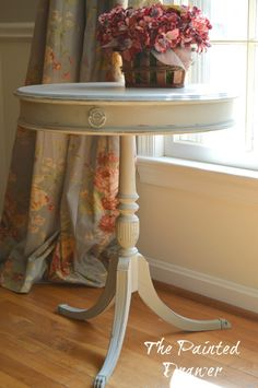 A vintage drum table redone with chalk paint and wax. Chalk Paint Furniture, Ikea Furniture, Upcycled Furniture, Furniture Makeover, Vintage Furniture, Furniture Refinishing, Furniture Ideas, Refinished Furniture, Furniture Inspiration