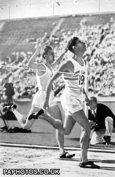 Athletics - Los Angeles Olympic Games 1932 - Men's 800m Final. Thomas Hampson ( G.B. ) 1st Alex Wilson ( Canada ) 2nd  Philip Edwards ( Canada ) 3rd - also 3rd in 1500