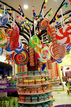 Candylicious-the world's largest department sweets in #Dubai mall