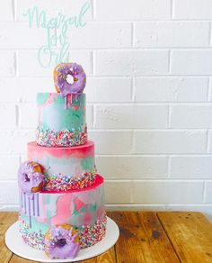 "935 vind-ik-leuks, 8 reacties - Glistening Occasions (@glisteningoccasions_) op Instagram: '""Mazal Tov Orli"" cake topper in mint green adorning a super fun cake by @pastelandbloom '"