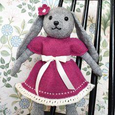 Linda's Crafting Magazine Llamas, Crochet Hats, Teddy Bear, Toys, Crafts, Animals, Design, Velvet, Creative