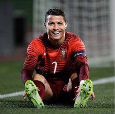 Fans berat dari #CR7 #Portugal @cristiano mana likenya...