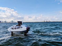SeaBubbles shows off its 'flying' all-electric boat in Miami – TechCrunch - Worldika - New Platform For Explore World Flying Vehicles, French Government, Electric Boat, Fuel Prices, Flying Car, Boat Design, Windsurfing, Water Crafts