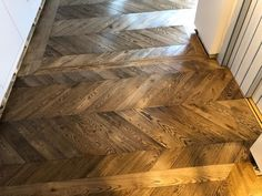 Timber Zone is a leading wood flooring company in London that provides wood floor sanding installation and maintenance services at reasonable cost. Wood Block Flooring, Wood Flooring Company, Engineered Timber Flooring, Oak Parquet Flooring, Wooden Flooring, Hardwood Floors, Floor Planner, Chevron Floor, White Wood Floors