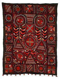 Broderat täcke från Jämijärvi (189x133 cm). Foto: Museiverket ------- Embroided quilt from Jämijärvi in Finland.  (189x133 cm) Photo: Museiverket