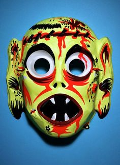 scary face with fangs -- vintage retro plastic Halloween mask Old Halloween Costumes, Vintage Halloween Photos, Halloween Ii, Halloween Images, Halloween Face Mask, Halloween Horror, Retro Halloween, Halloween Ideas, Scary Clown Makeup