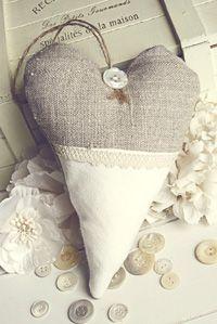 Linen heart by Blanc & Caramel