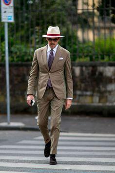 "pitti-moda: "" Firenze Pitti Uomo Men's Street Style Spring 2017 Gentleman Mode, Gentleman Style, Dapper Gentleman, Stylish Men, Men Casual, Outfits Hombre, Suit Shoes, Brown Suits, Summer Suits"