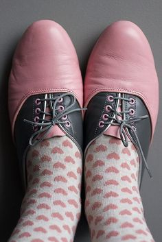 pink shoes and heart socks.❤ Pinned by Cindy Vermeulen. Please check out my… Baby Girl Shoes, Girls Shoes, Pink Love, Pink Grey, Cute Shoes, Me Too Shoes, Shoe Boots, Shoe Bag, Saddle Shoes