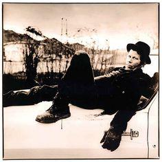 ladies and gentlemen, Mr. Tom Waits photographed by Anton Corbijn!!!