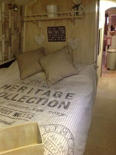Master Boat Builder with 31 Years of Experience Finally Releases Archive Of 518 Illustrated, Step-By-Step Boat Plans Canal Boat Interior, Boat Pics, Narrowboat Interiors, Narrow Boat, Floating House, Fashion Room, Best Interior, Room Colors, Home And Living
