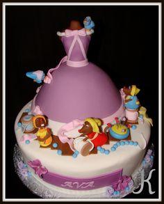 Very cute cinderella cake