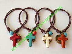 CONTACTO: recuerdosybolos@outlook.com ------WHATSAPP:3313647167----- horario de 9 am a 8 pm Jewelry Crafts, Jewelry Bracelets, Jewelery, Handmade Jewelry, Jewelry Ideas, Ideas Bautizo, Beading For Kids, Christian Crafts, Catholic Jewelry