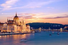 Discover the best things to do in Budapest, Hungary including Gellert Hill, Memento Park, Fisherman's Bastion, and St. Stephen's Basilica. European Tour, European Travel, European Vacation, Las Vegas Deals, Day Trips From Vienna, River Cruises In Europe, Cruise Europe, Danube River Cruise, Budapest Things To Do In