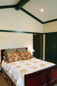 How to properly cut crown molding for a cathedral ceiling Cut Crown Molding, Ceiling Crown Molding, Cove Molding, Ceiling Trim, Ceiling Beams, Ceiling Design, Moulding, Master Suite Addition, Wainscoting