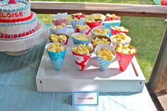 Cones de papel para festas