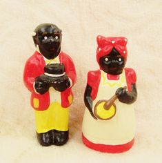 These vintage handpainted wax figurines of Aunt Jemima (appears to mixing up pancakes) and Uncle Moses were purchased at an estate sale.  Aunt Jemima appears to mixing pancake batter.        I have lo