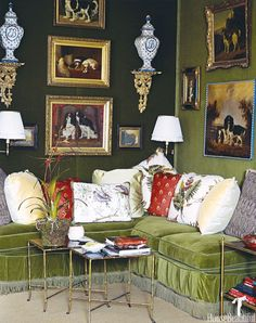 Home Interior Living Room Mario Buatta adds even more grandeur to this layered corner with a pillow-stuffed sofa.Home Interior Living Room Mario Buatta adds even more grandeur to this layered corner with a pillow-stuffed sofa. Beautiful Interiors, Beautiful Homes, House Beautiful, Colorful Interiors, Kips Bay Showhouse, Mario Buatta, Apartment Decoration, Green Velvet Sofa, Green Sofa
