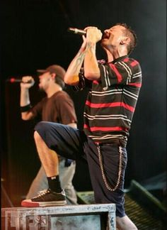 """""""Happy birthday to the greatest singer in the whole world ! Linkin Park 2000, Linkin Park Chester, Charles Bennington, Chester Bennington, Linking Park, Blind Love, Mike Shinoda, Nu Metal, Hot Hunks"""