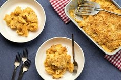 Think Stouffer's without the freezer While it can be enjoyed straight from the pot, this macaroni and cheese has a slightly looser sauce than the stovetop variety to allow for thickening in the oven Bread crumbs, while optional, make it truly spectacular.