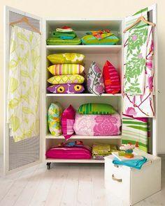 Marimekko linen closet (love the colors) Marimekko, Home Interior, Interior Design, Cute Blankets, Cushions, Pillows, Soft Furnishings, Home Organization, Decorating Tips