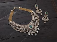 Navrathan - is one of the India's foremost, Gold & Diamond jewellery store located in Bangalore, India since We have an exquisite collection of wedding jewellery. Ruby And Diamond Necklace, Dimond Necklace, Diamond Jewelry, Diamond Choker, Emerald Necklace, White Necklace, Emerald Diamond, Gold Jewelry, Bridal Necklace