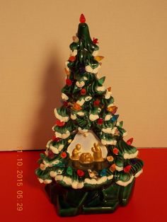vintage ceramic christmas tree with manger scene nativity lighted light up 14