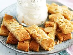 Semmelsnittar | Recept från Köket.se Swedish Cookies, Fika, Onion Rings, Apple Pie, Camilla, Cake Recipes, Sweets, Cheese, Eat