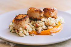 Seared Scallops with Quinoa and Apple Salad + Butternut Squash Puree — A Thought For Food Raw Food Recipes, Seafood Recipes, Dinner Recipes, Cooking Recipes, Healthy Recipes, Fish Recipes, Paleo Ideas, Apple Recipes, Delicious Recipes