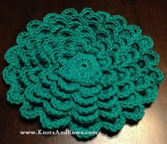 Knots and Rows: Dahlia Flower Hot Pad - Free crochet pattern tutorial by Lena Stone.