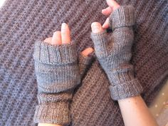 A's Almanac: Absolutely fabulous . Absolutely Fabulous, Hand Warmers, Fingerless Gloves, Knitting Patterns, How To Make, Threading, Fingerless Mitts, Knit Patterns, Fingerless Mittens