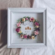 Mahar by Lavana Wedding 💜 Felt Flowers, Dried Flowers, Money Frame, Flower Shadow Box, Hampers, Handmade Flowers, Maid, Picture Frames, Wedding Inspiration