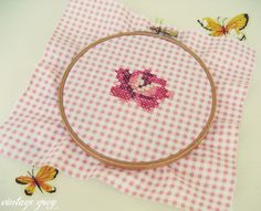 so so cute ♥ cross-stitched rose on gingham