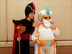 The Sultan costume: blend all white with the teal of the Princess for their kingdoms colors. The white facial hair and bigger belly depend on who is cast for it. Jafar Costume, Geek Costume, Aladdin Costume, Costume Ideas, Diy Costumes, Disney Family Costumes, Disney Villain Costumes, Disney Halloween Costumes, Halloween Ideas