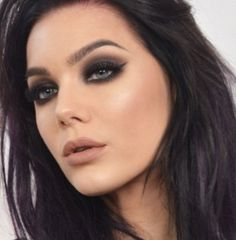 Linda Hallberg. One of the makeup artists that inspires me. I think this pink/neutral look is my new fav.