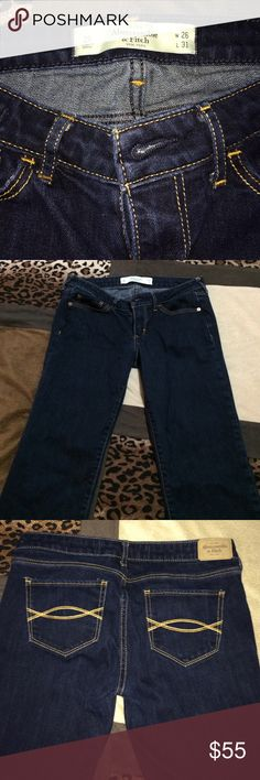 """Abercrombie & Fitch skinny jeans Abercrombie and Fitch """"The A&F skinny"""" women's jeans, size 2S. W 26 L 31. Worn only a handful of times, like new! ! And as always... Enjoy an EXTRA 30% off bundles of 2 or more of my items!!! Happy Poshing dolls! ❤️ Abercrombie & Fitch Jeans Skinny"""