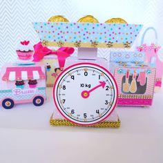 Festa Pj Masks, Candy, Kid Birthdays, Kids Part, Theme Ideas, Craft Fair Displays, Candy Party, Dollhouse Ideas, Sweets