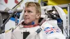 นายทิม พีค ชาวอังกฤษ ได้รับเลือกเป็นนักบินอวกาศขององค์การอวกาศยุโรปในปี 2009