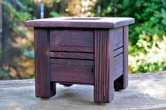 Small Redwood Planter,  Rustic Style Planter, Wooden Planter Box, Wooden Flower Pot, Outdoor Planters, Porch Planter, Square Planter