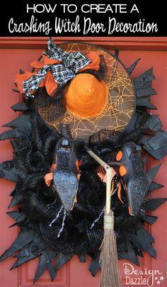 Spooky Halloween, Halloween Witch Wreath, Halloween Door Decorations, Theme Halloween, Holidays Halloween, Halloween Crafts, Halloween Ideas, Halloween Stuff, Halloween Ornaments