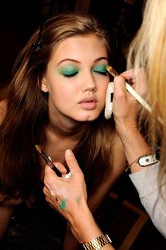 An #emerald smoky eye.
