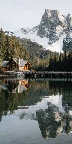 Where time stands still. Adding to our bucket-list, Hollie Baker. Nature Aesthetic, Travel Aesthetic, Photo Ours, Places To Travel, Places To Go, Landscape Photography, Nature Photography, Photography Tips, Travel Photographie