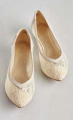 Chic of Operations Flat in Ivory
