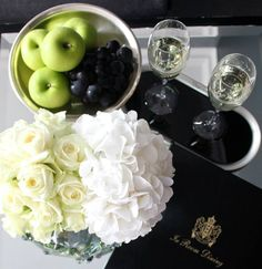 Meijer White byMeijer Rosesstyled in the Champagne Suite by Dom Pérignon in InterContinental Amstel Amsterdam! (photo by LM Flower Fashion)