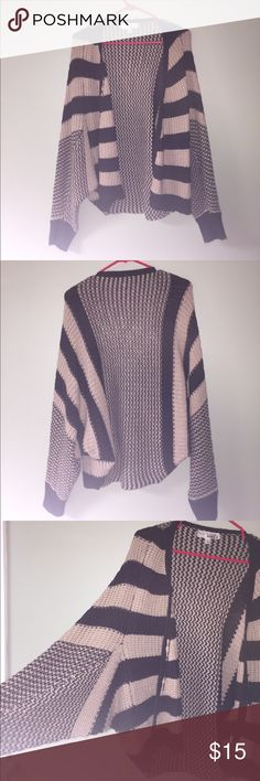 oversized cardigan fits size m/l. excellent condition!! Sweaters Cardigans