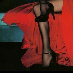 "sommewhere: ""Gemma Ward for Valentino 2006 ad campaign details "" Guy Bourdin, Lizzie Hearts, Gemma Ward, Red Aesthetic, Sexy, Ideias Fashion, Kawaii, Glamour, Pretty"