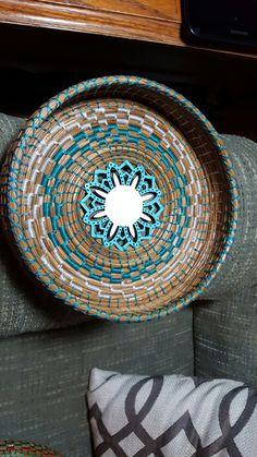 Pine Needle Crafts, Pine Needle Baskets, Basket Crafts, Pine Needles, Weaving Art, Gourds, Basket Weaving, Mirrors, Decorative Bowls